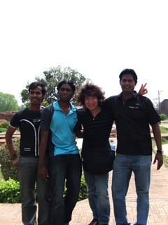 20110403KojiFujitaWithIndianBoys-Nalanda.jpg