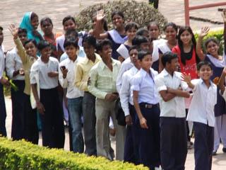 20110403SmileZoom-Nalanda.jpg