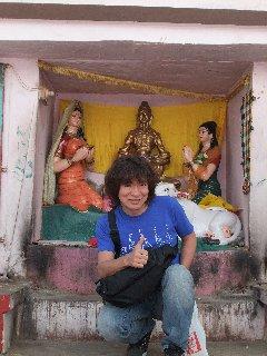 20110405KojiFujitaConSujata-Buddagaya.jpg