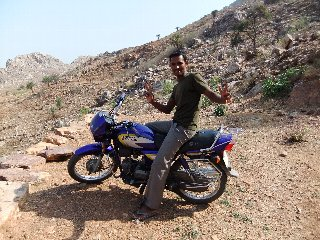 20110405Lakhan%26HisMotor-Buddagaya.jpg