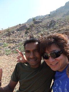 20110405Lakhan%26KojiFujita-Buddagaya.jpg