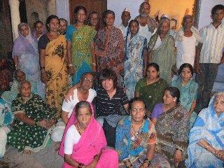20110406HinduPeople%26KojiFujita-Banaras.jpg