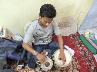 20110409Naveen%28Musician%29-Banaras.jpg