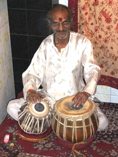 20110409TablaMusicians-GangaFujiRestaurant-Banaras.jpg