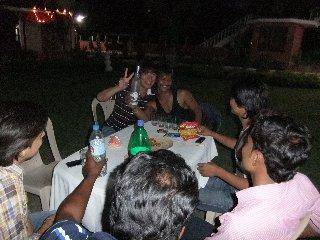 20110410Dabbu%26KojiFujita-Night-Khajuraho.jpg