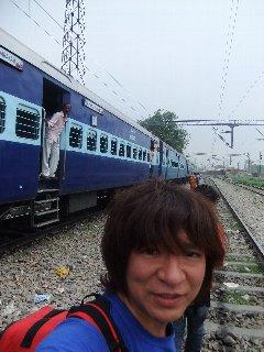 20110412TrenBajar-KojiFujita-Varanasi.jpg