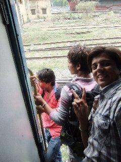 20110412TrenBajar-Naveen-Varanasi.jpg