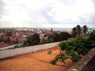 ツーリストインフォメーションのある建物から街を見下ろす.jpg