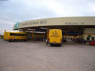 ペルナンブーコ州ペトロリーナ市のバスターミナル.jpg